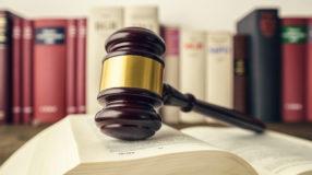 20 livros de direito para advogados, estudantes ou curiosos