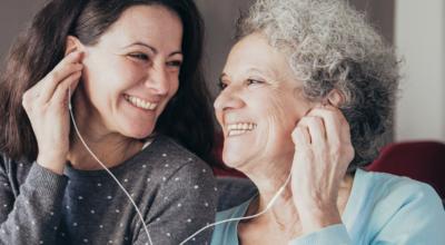 25 músicas para o Dia das Mães com mensagens de gratidão