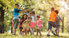 18 brincadeiras antigas para relembrar a sua infância